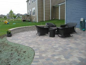 Paver Patio and seatwall Elgin