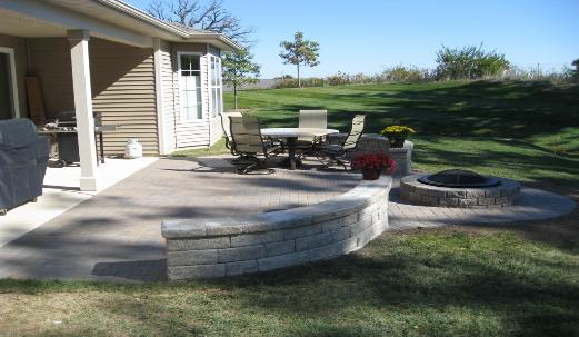 Paver Patio with Seatwall and Fire Pit